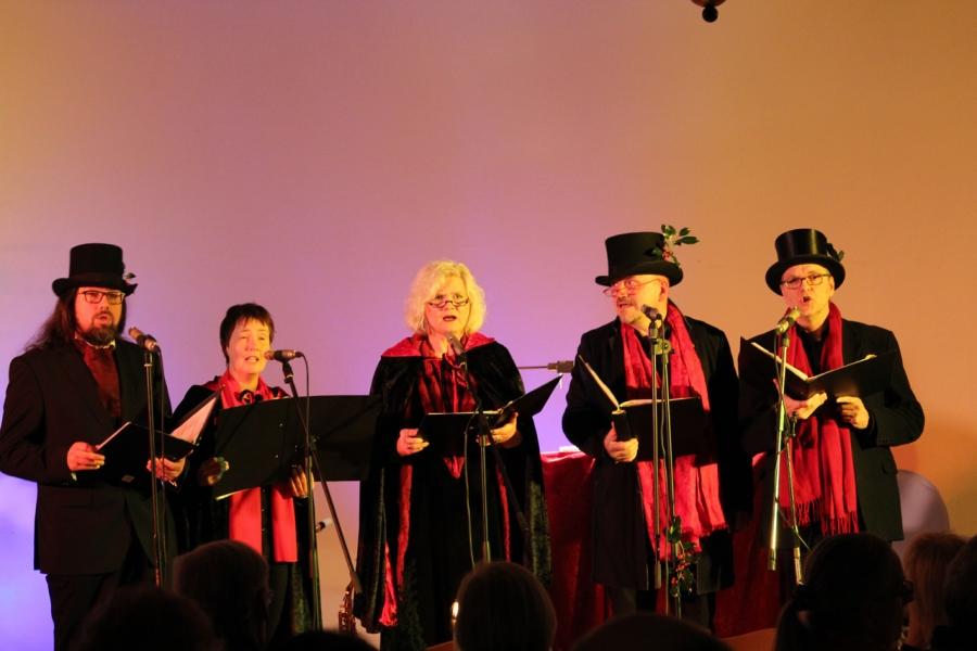 Weihnachtsklänge im Kerzenschein begeisterten das Publikum - gemen ...